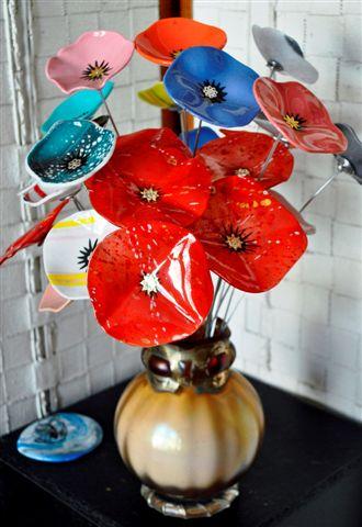 Glass Studio. Su' Knight- glass artist