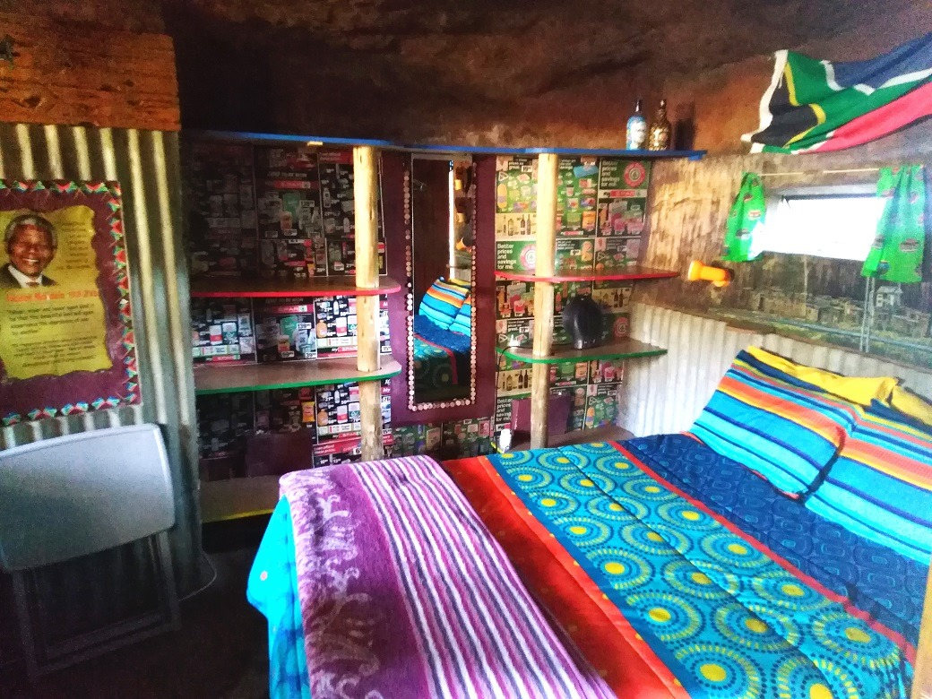 Inkunzi Cave, Zulu Hut and Diddly Squat